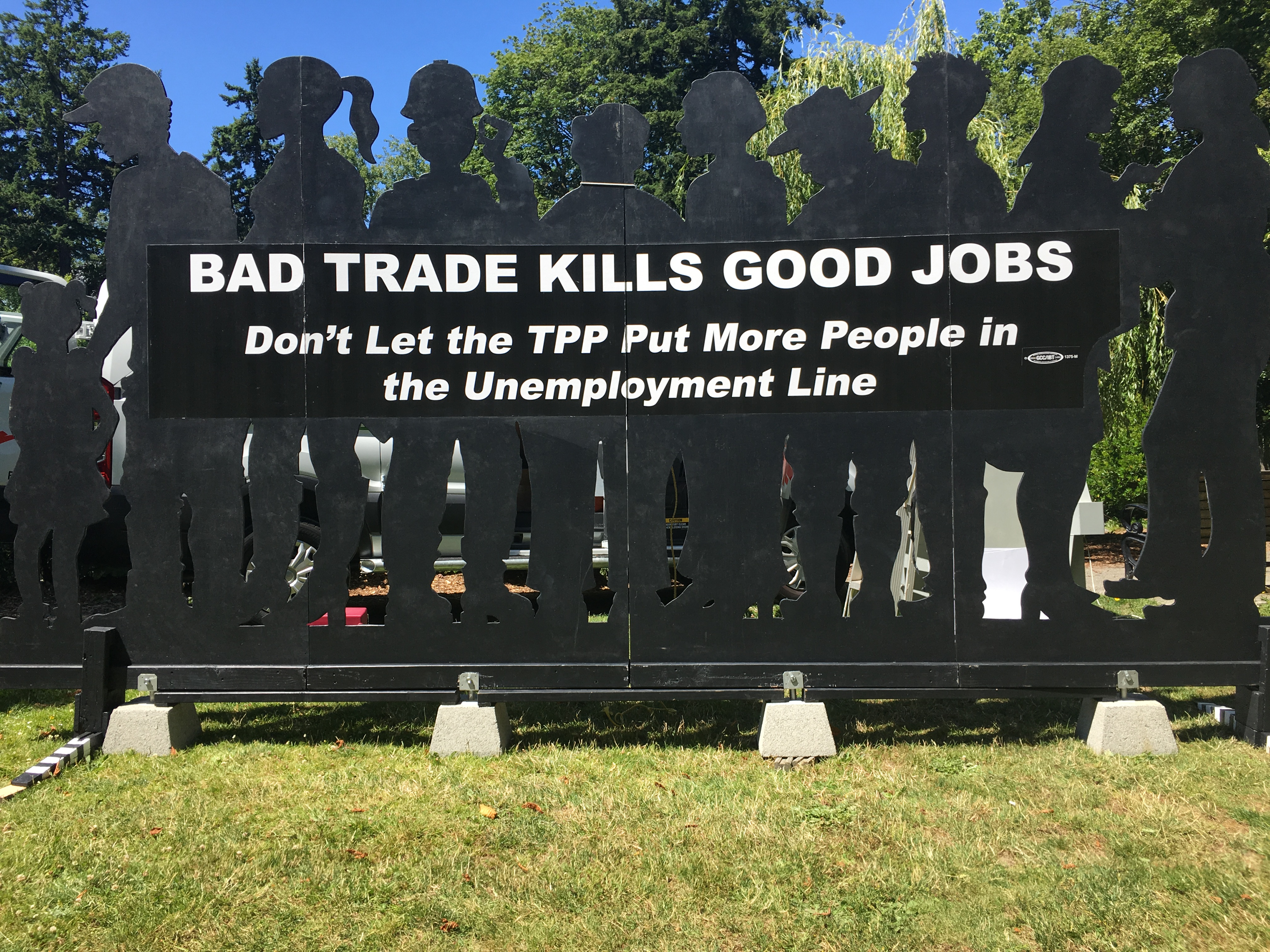 Hundreds Rally Against the TPP in Washington State